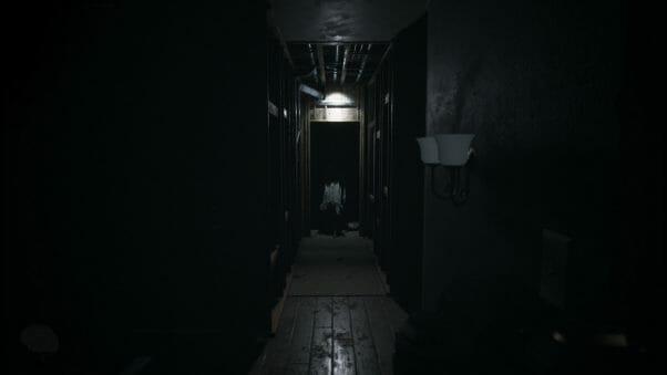 Visage hallway creeping
